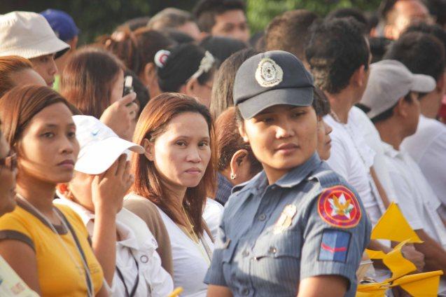 Lady Cop in front of human Barricade, Plaza Dilao, Quirino Ave, Paco Manila last January 16, 2015. Photo by Jude Bautista