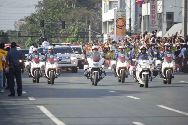 Pope's police motorcycle escorts Quirino Ave, Paco Manila last January 16, 2015. Photo by Jude Bautista