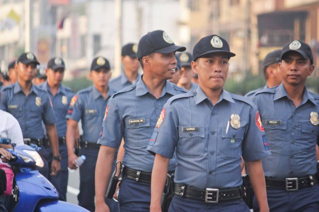 Cops also form line after human barricade along Quirino Ave, Paco Manila last January 16, 2015. Photo by Jude Bautista