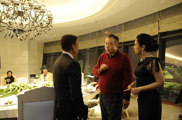 from left: Shen Liushu (Xueqi Wang), director Chen Kaige & Mo Xiaoyu (Chen Hong). Watch CAUGHT IN THE WEB and other Chinese films for free in Spring Film Festival at Shang Cineplex, Shang Rila Plaza Mall from Feb 13-22, 2015.
