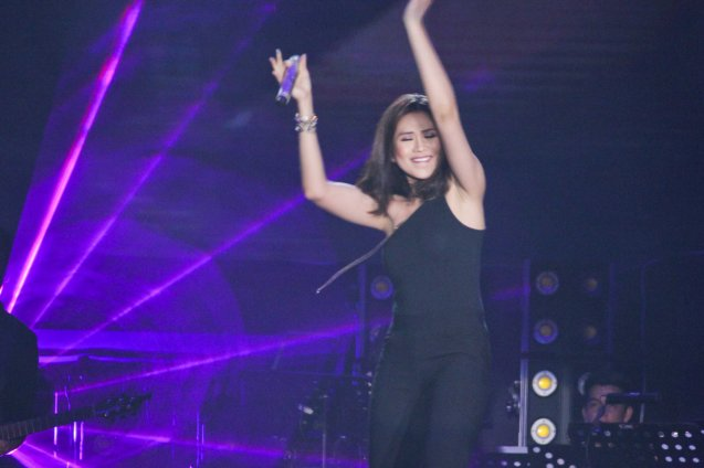The Voice coach Sarah Geronimo shows off her Rexona white underarms. FUSION the 1st Phil. Music Festival was held January 30, 2015 just 5 days after the Mamasapano Clash. Photo by Jude Bautista