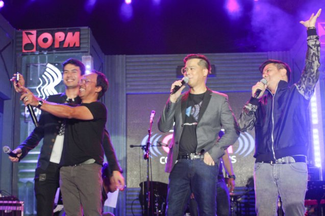 from left: OPM VP Noel Cabangon shoots USIE w Christian Bautista, Ding Dong Avanzado and OPM Pres. Ogie Alcasid. PALAKASIN ANG OPM COLLAB Sessions first 12-hour OPM festival was held at the Bonifacio High Street Amphitheatre, Bonifacio Global City Taguig last March 14, 2015. Photo by Jude Bautista