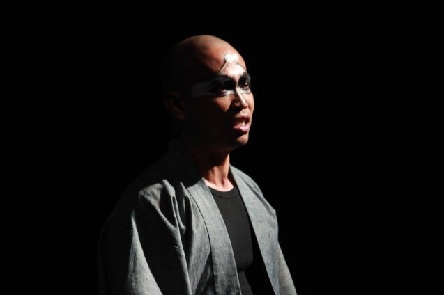 Renante Bustamante (Duke ng Albanya). Studio Connection's HARING LEAR can be seen at the CSB SDA Theater from February 27 to March 8, 2015. HARING LEAR is also part of the FRINGE MANILA Multi arts festival. Photo by Jude Bautista