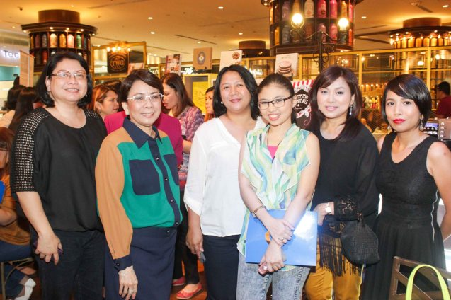 from left: Manila Standard Writer Malou Rosal, Shang Rila Plaza EVP & Gen Mgr Lala Fojas Phil Star Columnist Lai Reyes, Business World reporter Zsarlene Chua, Shang Mktg Head Marline Concio Dualan and Manila Times reporter Euden Valdez. Try out designer coffee and listen to great jazz in COFFEE TEA AND ALL THAT JAZZ AT THE SHANG, East Atrium of the Shangri-La Plaza Mall from March 20-29, 2015. Photo by Jude Bautista