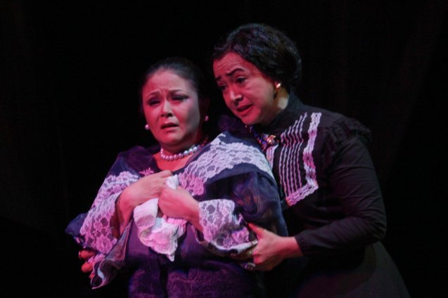 from left: Racquel Pareno (Señora Violeta) & Shamaine Buencamino (Señora Margarita). Tanghalang Pilipino's adaptation of DANGEROUS LIAISONS—JUEGO DE PELIGRO at CCP was a huge hit watch out for its next run; Costumes by James Reyes. Photo by Jude Bautista