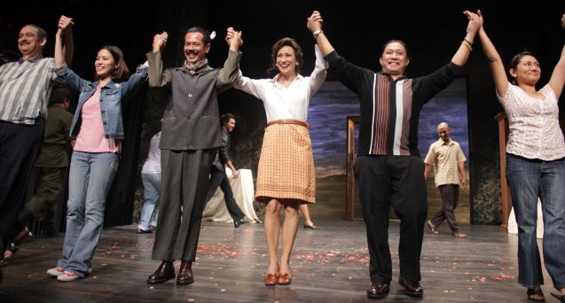 from left: Leo Rialp (Chitong), Anna Luna (Nina), Jake Macapagal  (Adjie), Cherie Gil (Señora Rica), Raffy Tejada (Nonoy Tiking) & Angeli Bayani (Charito). Catch Arbol De Fuego's last weekend March 14 & 15, 2015 at the PETA Theater Center. Photo by Jude Bautista