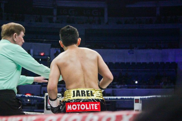 Ref Mctavish separates fighters; PINOY PRIDE 30 D-Day was held at the SMART Araneta Coliseum last March 28, 2015. Photo by Jude Bautista