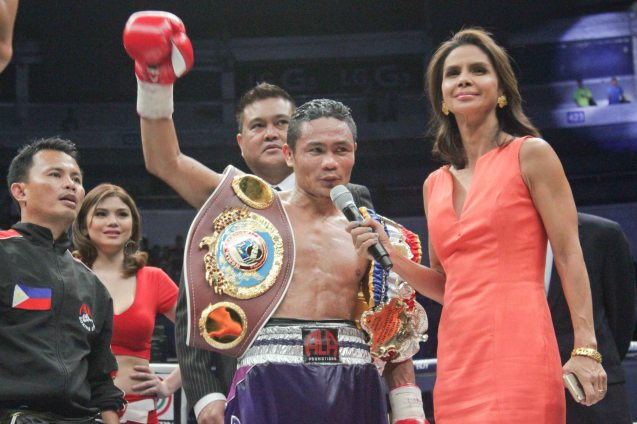 Dyan Castillejo interviews Donnie Nietes after 10th rd TKO victory over Gilberto Parra. He successfully defends his WBO/IBF World Jr Flyweight Belt for the 7th time. PINOY PRIDE 30 D-Day was held at the SMART Araneta Coliseum last March 28, 2015. Photo by Jude Bautista
