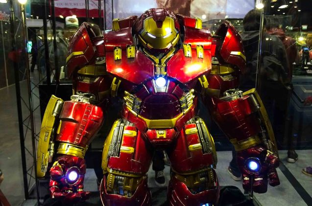 Life size Hulkbuster; Catch Avengers Age of Ultron at Newport Cinemas in Resort's World, EASTWOOD City Mall, Lucky China Town Mall and Shang Rila Plaza mall.