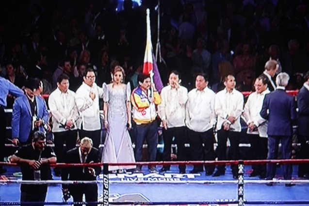 Fil Am singer Gail Banawis performed Lupang Hinirang with THE WORD CHORALE composed of pastors from General Santos City. SMART communications was the only Pinoy Corporation to sponsor a spot on the canvas.