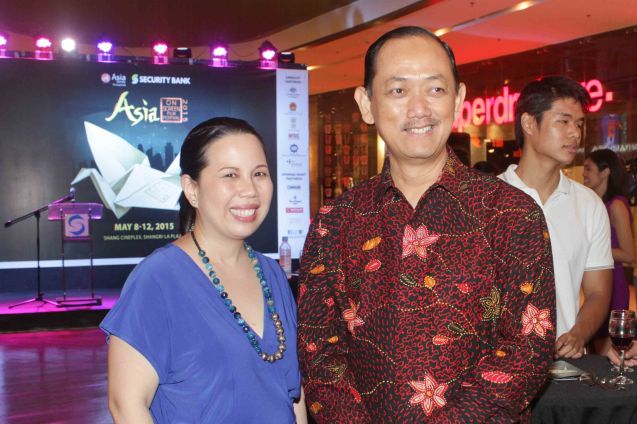 From left: Asia Society Philippines Executive Dir. Suyin Liu Lee and Emb. of Indonesia Social And Cultural Affairs Minister Counselor R. Toto Waspodo. ASIA ON SCREEN 2015 film fest will run at the Shang Cineplex, Shangri-La Plaza Mall from May 8-12, 2015. Photo by Jude Bautista