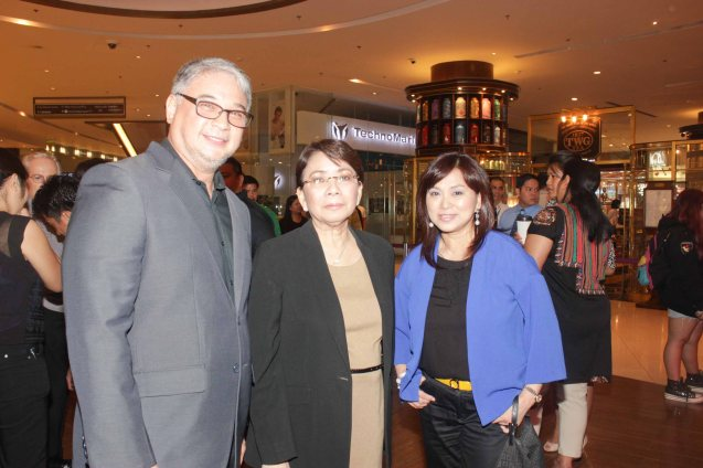 from left: Ricky Davao, Shang Rila Plaza GM & EVP Lala Fojas, Shang Rila Plaza Mktg. Div. Head Marline Dualan. ASIA ON SCREEN 2015 film fest will run at the Shang Cineplex, Shangri-La Plaza Mall from May 8-12, 2015. Photo by Jude Bautista