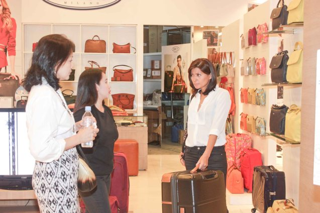 from right: Mylene Dizon and Bing Pimentel check out BRIC'S Milano Italian Travel Bags in Shang Plaza East Atrium. ASIA ON SCREEN 2015 film fest will run at the Shang Cineplex, Shangri-La Plaza Mall from May 8-12, 2015. Photo by Jude Bautista