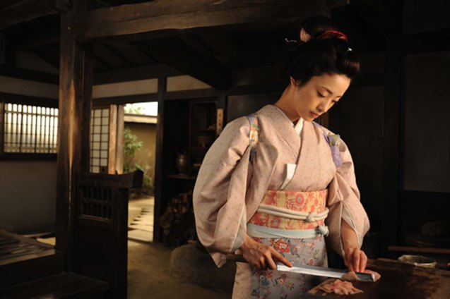 Aya Ueto (Haru) prepares fish for sashimi. The proper slicing of fish affects the taste and brings out the best flavors of the fish. Watch this and many more Japanese films for free at the Eigai Sai Film festival running in Shang Cineplex, Shangri-La Plaza from July 9-19, 2015.