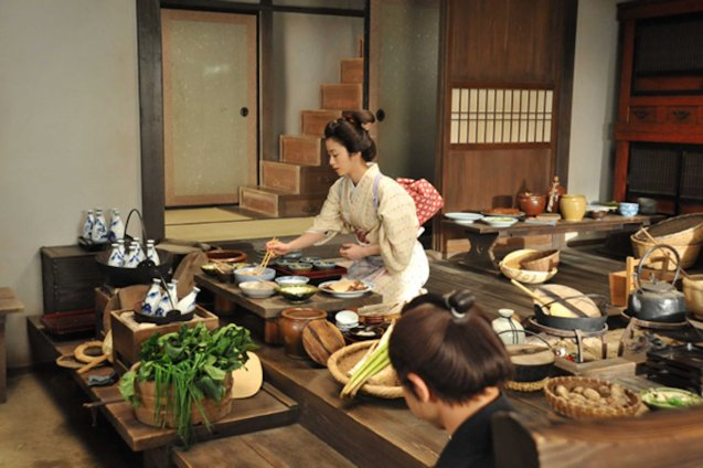 Aya Ueto (Haru) was supposed to be a privileged position of samurai's wife but insisted on doing kitchen work. Watch this and many more Japanese films for free at the Eigai Sai Film festival running in Shang Cineplex, Shangri-La Plaza from July 9-19, 2015.