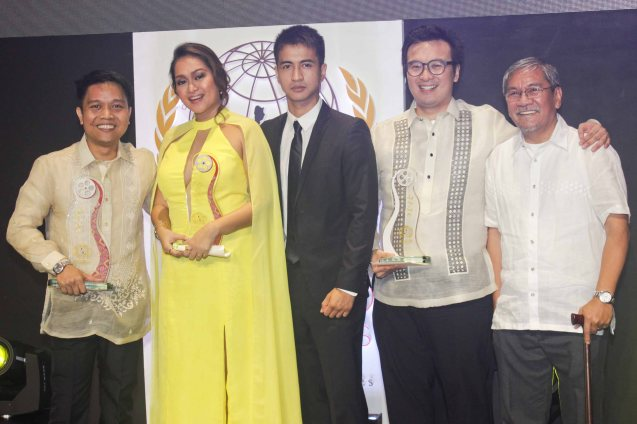 AN KUBO SA KAWAYANAN Team from left: Alvin Yapan, Filipino New Cinema Best Actress Mercedes Cabral, Male lead RK Bagatsing, Producer Alemberg Ang & FDCP Exec Dir Teddy Granados. The World Premieres Film Festival Phil features 70 films from over 35 countries along with the Filipino New Cinema competition. It is currently the most prestigious international film fest in the Philippines. Photo by Jude Bautista