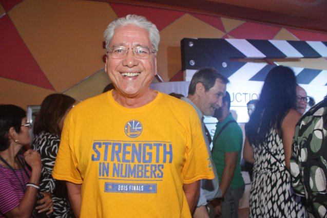 Golden State Warriors fan wears strength in Numbers t-shirt in Manila! Photo by Jude Bautista