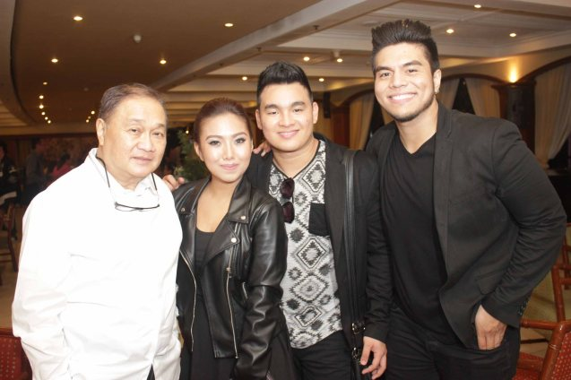from left: PLDT and SMART Chairman Manny V. Pangilinan, 1M Grand Prizewinners Yumi Lacsamana & Thyro Alfaro (TRIANGULO) & Jeric Medina. The PhilPOP 2015 Finals Night was held at the MERALCO THEATER last July 25, 2015. Photo by Jude Bautista