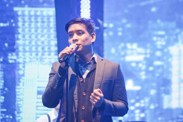SIDE A vocalist guitarist/lead vocals Leevon Cailao sings FOR THE REST OF MY LIFE composed by their bassist Ned Esguerra. The PhilPOP 2015 Finals Night was held at the MERALCO THEATER last July 25, 2015. Photo by Jude Bautista