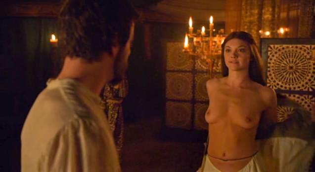 Margaery Tyrell (Natalie Dormer) tries to seduce King Renly Baratheon (Gethin Anthony) unsuccessfully.