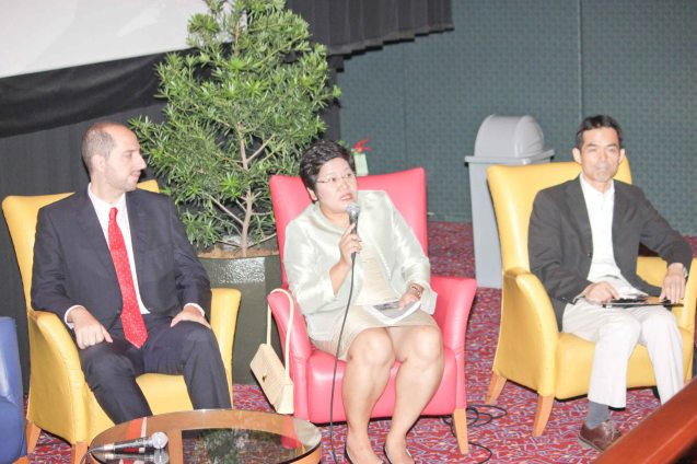 from right: Japan Foundation Dir Shuji Takatori, Royal Thai Emb Minister Counselor & Consul Somjai Taphaopong and Inst Cervantes Mla Dir Carlos Madrid. Watch Silent films for free w top musicians providing live soundtrack on the 9th Silent film Festival at Shang Cineplex, Shang Rila Plaza from August 27-30, 2015. Tickets will be given on a first come first served basis so check out schedules and make sure to go early. Photo by Jude Bautista