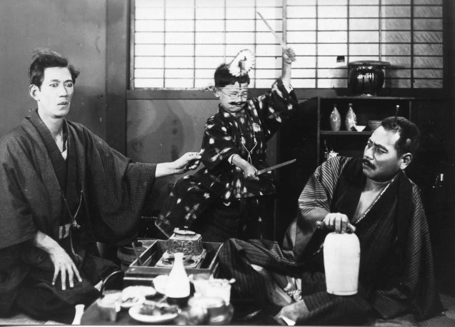 Watch Tokkan Kozo (A STRAIGHTFORWARD BOY) by Yasojiro Ozu with live scoring by Hidden Nikki on August 28, 2015 (730pm) at Shang Cineplex, Shang Plaza for free. Make sure to go an hour early for tickets given on first come first served basis.