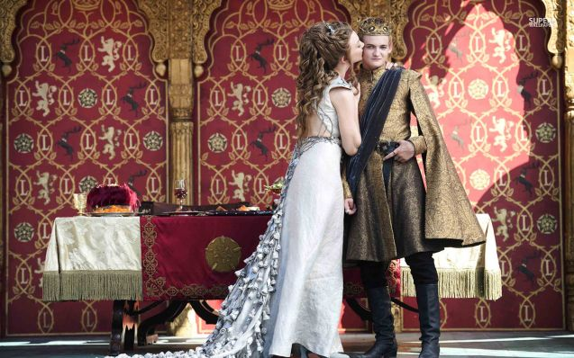 Joffrey (Jack Gleeson) & Margaery (Natalie Dormer) kiss during their reception.
