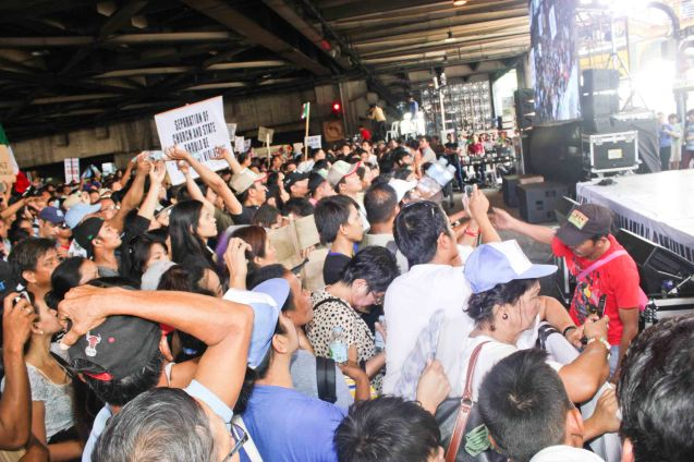 mineral water was distributed to the crowd Aug Aug 30, 2015 at EDSA corner Shaw Boulevard. Photo by Jude Bautista