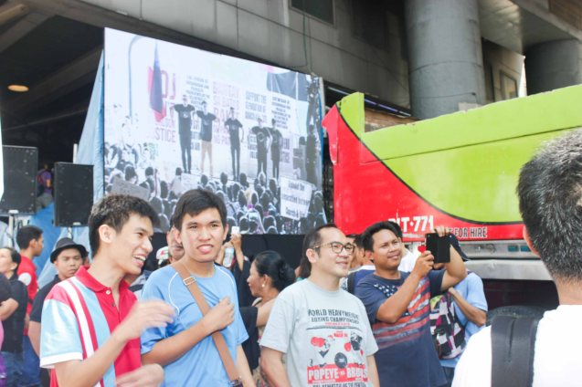 One of 6 LED screens set up around the area - Aug 30, 2015 at EDSA corner Shaw Boulevard. Photo by Jude Bautista