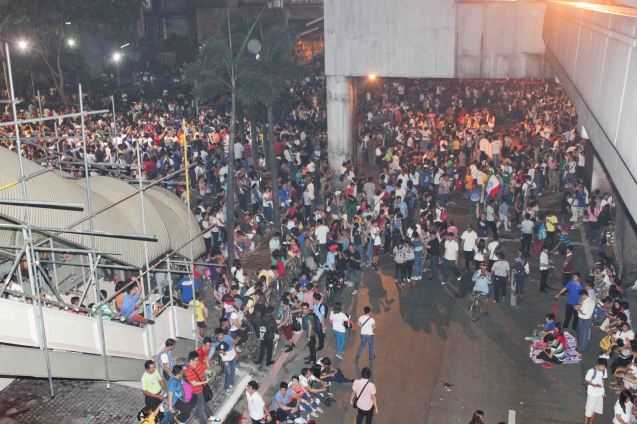 This is top shot of protest night of Aug 28 people were chanting ABS CBN is BIASED at EDSA corner Shaw Boulevard. Photo by Jude Bautista