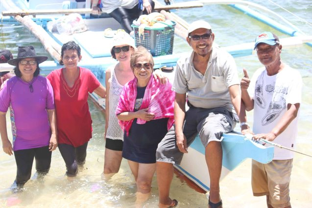 from left: Rose Lizo, Annie Puyo, Beth Javier, Nanette Montenegro, Letlet Gimeno and Jun Montenegro; barangay Canomay, Claveria, Burias Island, May 18, 2015. Photo by Jude Bautista