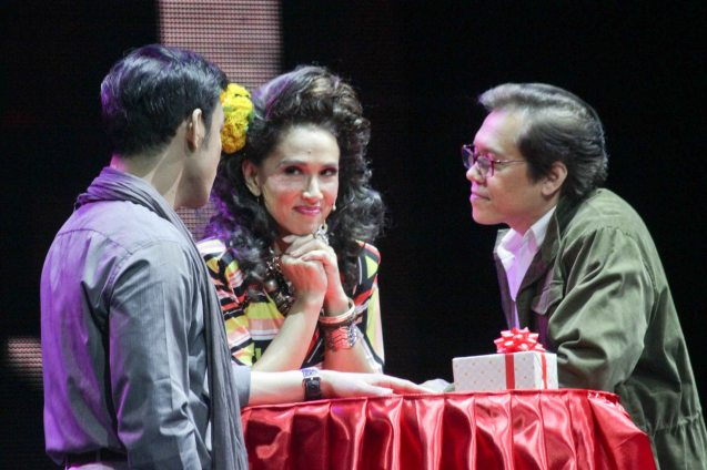 from left: Mark Bautista (Nico Escobar), Menchu Lauchengco Yulo (Edith) and Michael Stuart Williams (Larry). BITUING WALANG NINGNING is running at the Newport Performing Arts Theater, Resorts World Manila from October 8, 2015 to January 2016. Photo by Jude Bautista
