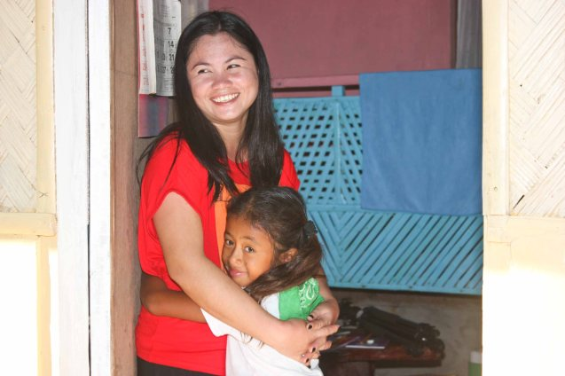 from left: Mary Jane Agdon and Jeselle Agdon; Claveria, Burias-May 18, 2015. Photo by Jude Bautista