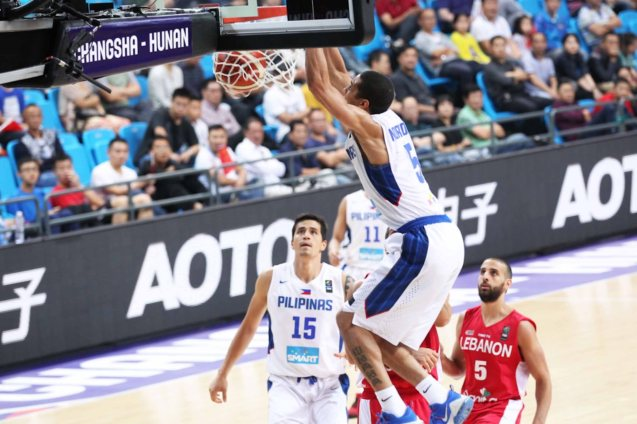 Gabe Norwood shows off hard slam. SMART GILAS Pilipinas won against Lebanon 82-70, October 1, 2015 at the Changsha Social Work College, Chang Sha, China. Photo from FIBA.com.