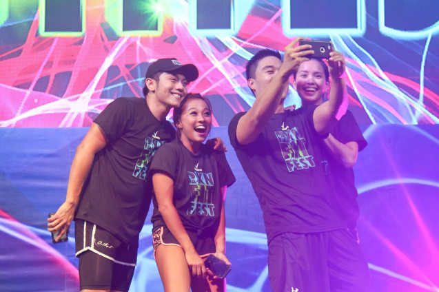 Hotties take an usie, barkadas had great fun in RXN fit fest. RXN FIT FEST was held at the SMX Convention Center last Nov 14, 2015. Photo by Jude Bautista