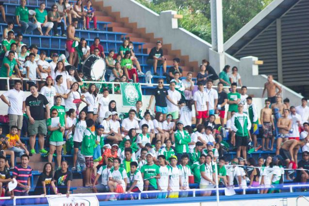 DLSU supporters were thin compared to ADMU & UP fans at the Rizal Memorial Swimming Complex. Photo was taken October 24, 2015 during 78th UAAP Swimming competitions by Jude Bautista.