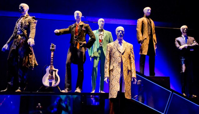 The DAVID BOWIE IS exhibition- has 300 different pieces of costumes, objects, photos has toured the most prestigious museums from around the world