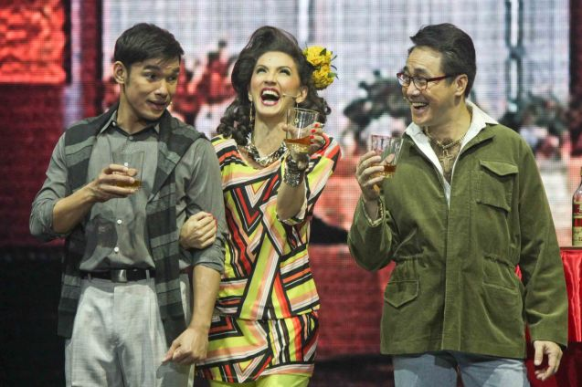 from left: Mark Bautista (Nico), Menchu L. Yulo (Edith) & Raymund Concepcion II (Larry). BITUING WALANG NINGNING is running at the Newport Performing Arts Theater, Resorts World Manila until January 31, 2016. Photo by Jude Bautista