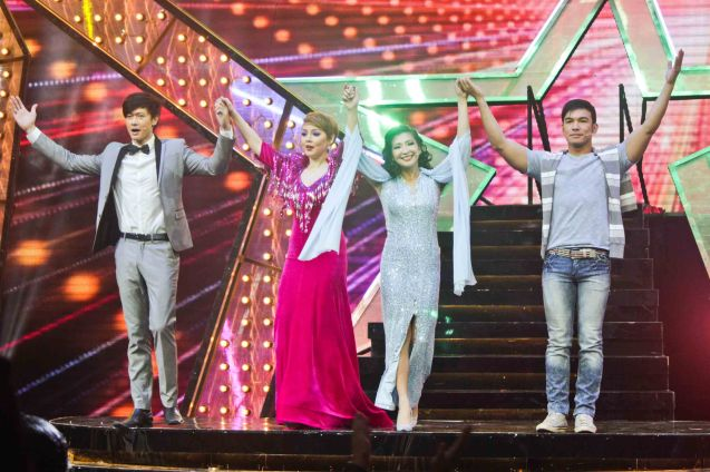 from left: Ronnie Liang (Garrie), Cris Villonco (Lavinia), Monica Cuenco (Dorina) and Mark Bautista (Nico). BITUING WALANG NINGNING is running at the Newport Performing Arts Theater, Resorts World Manila until January 31, 2016. Photo by Jude Bautista