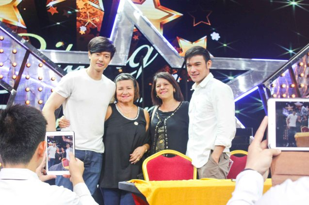 Ronnie Liang & Mark Bautista pose with fans. BITUING WALANG NINGNING is running at the Newport Performing Arts Theater, Resorts World Manila until January 31, 2016. Photo by Jude Bautista