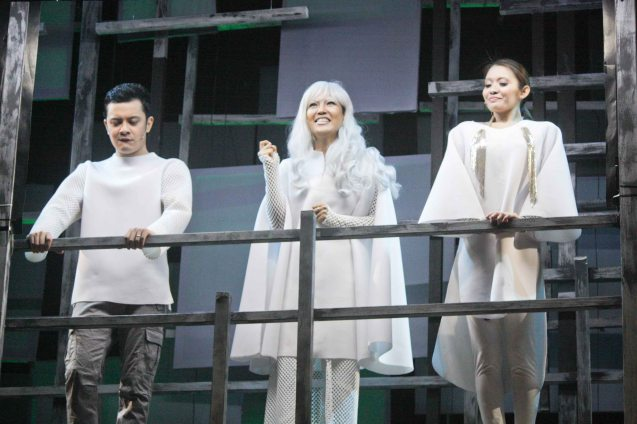 Lumino rulers from left: Paolo Valenciano (Chino), Che Ramos-Cosio (Grand Vidame Inky) & Giannina Ocampo (Dianne). Watch 3 STARS & A SUN Musical based on Francis Magallona's Music at the PETA Theater Center from February to March 2016. Photo by Jude Bautista