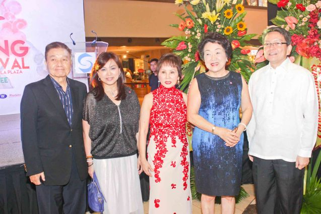 from left: Ricardo Leong, Shang Plaza Mktg Div Head Marline Concio–Dualan, Dr. Rosita Leong, Jill Kuok-Friedman and Fr. Jet Villarin. Watch COMING HOME for free during the 10th Spring Film Festival at the Shang Cineplex, Shang Rila Plaza Mall from January 29-February 7, 2016. Photo by Jude Bautista