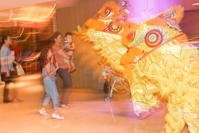 Lion Dancers amuse kids at Shang Plaza. Watch COMING HOME for free during the 10th Spring Film Festival at the Shang Cineplex, Shang Rila Plaza Mall from January 29-February 7, 2016.  Photo by Jude Bautista