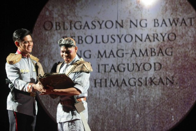 from left: Arman Ferrer (Pres. Emilio Aguinaldo) and Tope Klatchko (Heneral Luna). TP's MABINING MANDIRIGMA is running from February 19 to March 13, 2016 at the Tanghalang Aurelio Tolentino , CCP with shows at 3pm and 8 pm. Photo by Jude Bautista