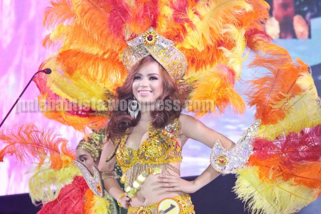 #1 Rechelyn Dionico- BOLING BOLING FESTIVAL. ALIWAN held last April 14-16, 2016, is the Grand Festival of Champions showing the best of Philippine Fiestas from around the country. There are three main activities: Reyna Ng Aliwan Pageant, Street Dance and Float Competition.  It culminates in a grand parade from Quirino Grandstand going through Roxas Blvd to the Aliw Theater grounds in CCP. Photo By Jude Bautista