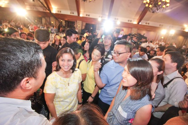 Cong. Leni Robredo is mobbed by fans during the Go Negosyo Talks: Meet the Vice Presidentiables at the Manila Polo Club last March 14, 2016. Photo by Jude Thaddeus Bautista
