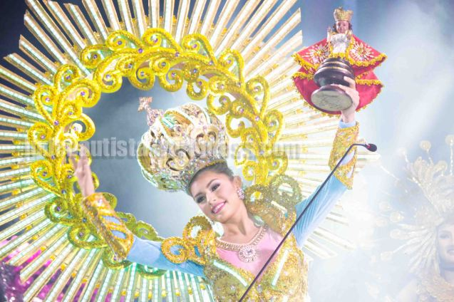 Reyna ng Aliwan 2016 winner #13 Cynthia Thomalla-SINULOG FESTIVAL also earned Best in Festival Costume. ALIWAN held last April 14-16, 2016, is the Grand Festival of Champions showing the best of Philippine Fiestas from around the country. There are three main activities: Reyna Ng Aliwan Pageant, Street Dance and Float Competition.  It culminates in a grand parade from Quirino Grandstand going through Roxas Blvd to the Aliw Theater grounds in CCP. Photo By Jude Bautista