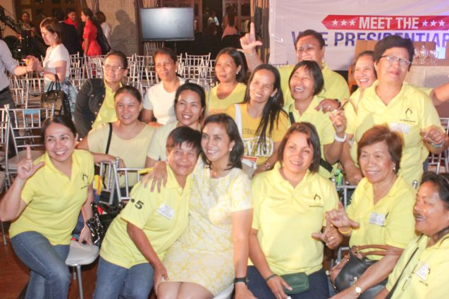 Cong. Leni Robredo poses w supporters who came all the way from Naga. The Go Negosyo Talks: Meet the Vice Presidentiables was held at the Manila Polo Club last March 14, 2016. Photo by Jude Thaddeus Bautista
