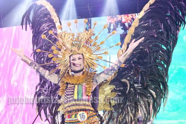 #16 Darlene Joy Tabuga-PINTADOS DE PASSI FESTIVAL earned the Friendship Award and is also 2nd Runner Up. ALIWAN held last April 14-16, 2016, is the Grand Festival of Champions showing the best of Philippine Fiestas from around the country. There are three main activities: Reyna Ng Aliwan Pageant, Street Dance and Float Competition.  It culminates in a grand parade from Quirino Grandstand going through Roxas Blvd to the Aliw Theater grounds in CCP. Photo By Jude Bautista