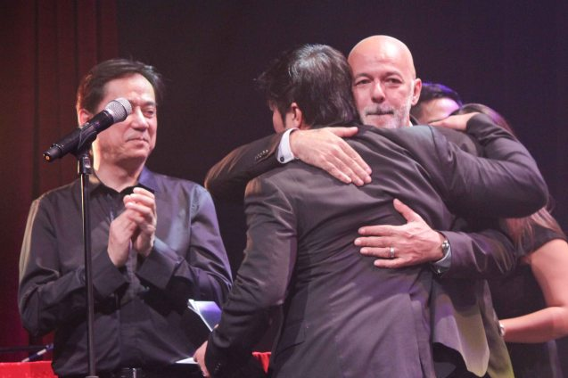 9 Works Theatrical Executive Producer Santi Santamaria hugs Michael De Mesa as Audie Gemora looks on LA CAGE AUX FOLLES –Outstanding Prod of Existing Material. The 8th Philstage Gawad Buhay was held at Onstage Greenbelt last April 28, 2016. Photo by Jude Bautista